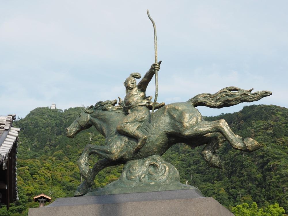 信長騎馬像