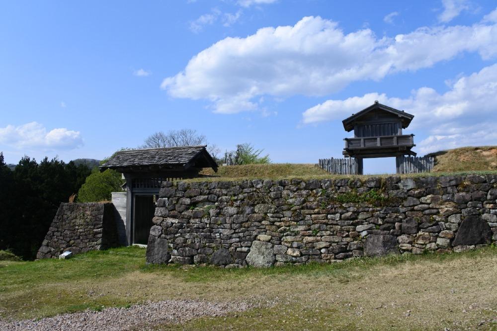 鳥越城、枡形門、石垣