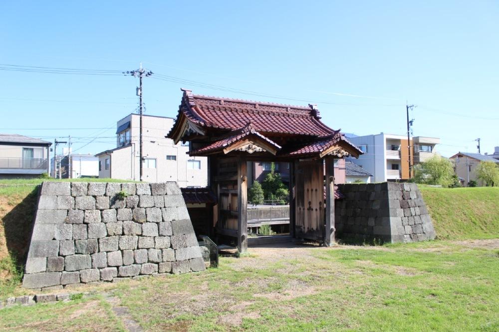 福井城、舎人門
