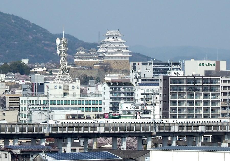 山陽新幹線、姫路城