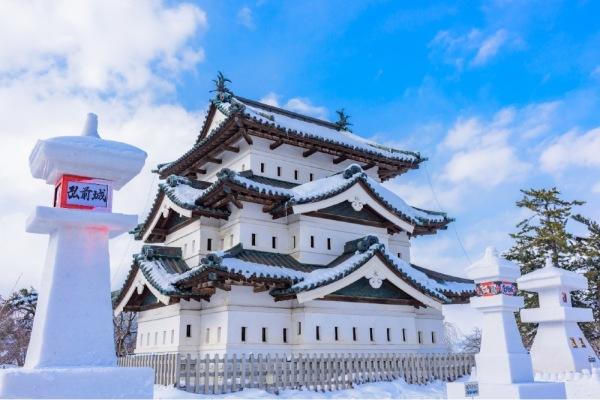 お城の屋根や壁を雪から守る驚くべき工夫とは?