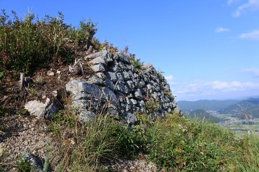 黒井城、三の丸櫓台、石垣