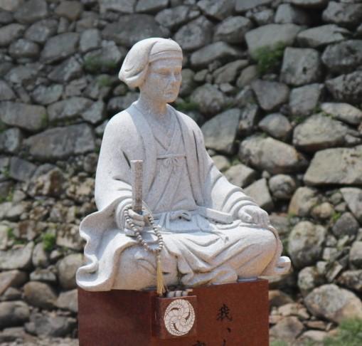 黒田官兵衛像