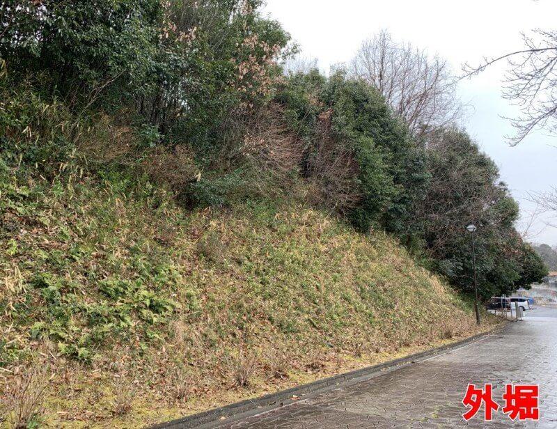 岩崎城、前田慶次、外堀