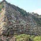 圧倒される石垣