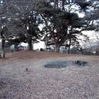 本丸と井戸跡