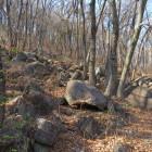 岩がすごいけどここを登攀するのではない。