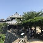 松山城入り口