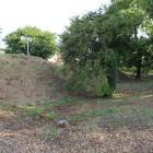 土塁と堀跡(長松院)
