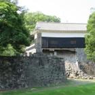 馬具櫓と石碑
