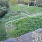三段石垣の二段目から番所跡を臨む