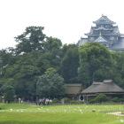 後楽園から見た岡山城