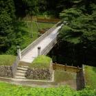 居館跡から見た曳橋