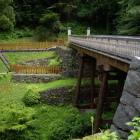 曳橋(居館側から)