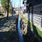 武家屋敷と町人屋敷の境となる芹川用水