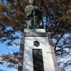 初代城主・金森長近公像。写真ではわかりませんが大きい!