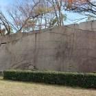 京橋門枡形の城内第二の巨石、肥後石。運んだのは池田忠雄なのに、なぜか加藤清正にちなんだ名が…