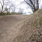 城外周を囲む堀・土塁
