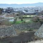天守台から奈良市方面を望む。