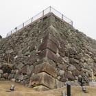伝羅城門の礎石