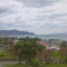 二ノ丸から。右の陸地は津軽半島。