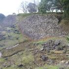 弾正丸東面の石垣