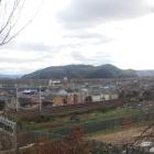 山崎聖天付近から、淀川対岸の男山を望む。