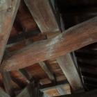 坤櫓一階内部の軒の梁。こちらも豪快な木組。