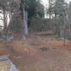 太鼓櫓から本丸方向を望む。あの巨大な石垣は!