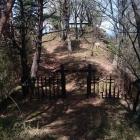 主要部に入る三の郭には冠木門がある。