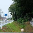 道路沿いの横堀