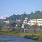 西の横手川から見た横手城