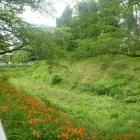 三ノ丸の堀と土塁