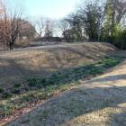 二の郭外側の土塁と横堀