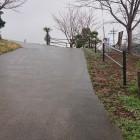 搦手門となる正慧寺への坂道