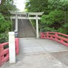 階段の先の橋が実は堀にかかってます