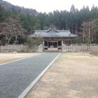 大歳神社境内。社殿一帯が御殿跡。