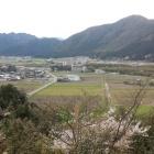 主郭より黒田の郷を眺める。