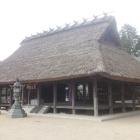 兵主神社拝殿。斜めから。