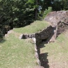 三の丸石垣内部