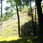 関東には珍しい高い石垣