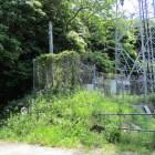 この鉄塔の道を挟んで逆サイドに