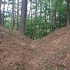 本丸と山頂の間の堀切