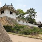 伏見櫓台石垣から筋鉄御門、御湯殿、月見櫓を望む
