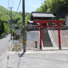 ここを曲り竹原小側へ標識道なり
