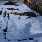 北ーⅤ郭虎口  雪で埋まってる。