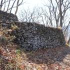 主郭付近の二段石積み
