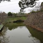 本丸南面の水堀(東から)