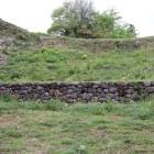 郭馬出北側大堀切の石垣