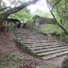 長屋門と櫓台の石垣